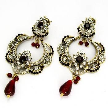 Victorian Queens Crown Dangler Blood Red