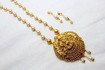 LAKSHMI PENDANT NECKLACE