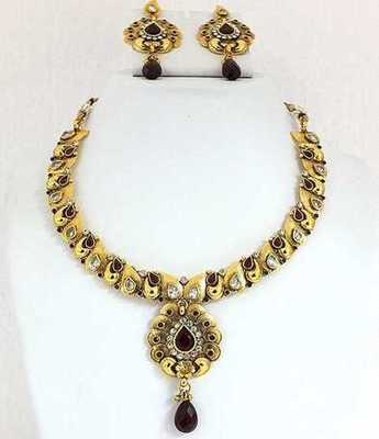 Antique Maroon Necklace Set