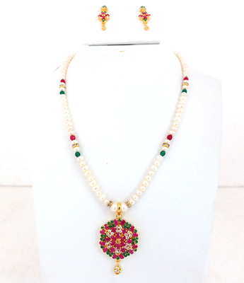 Ruby Emerald Button Pearl Necklace Set