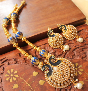 Beautiful Antique Pearl Peacock Handmade Necklace Set