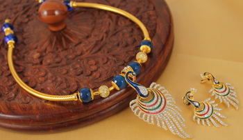 Lovely Handmade Cz Meenakari Pendant Necklace Set