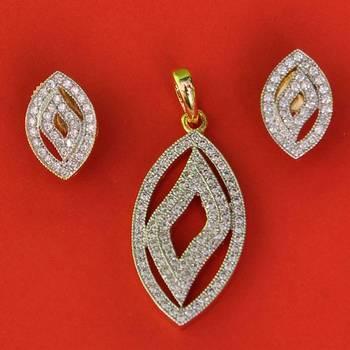 Cute AD Diamond Pendent Set