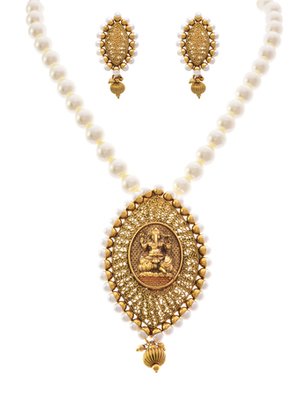 Sinfully Desirable Gold Designer Temple Necklace / Jewellery set embellished with Pearls for Girls & Women.