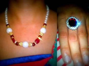 neckpiece wit ring