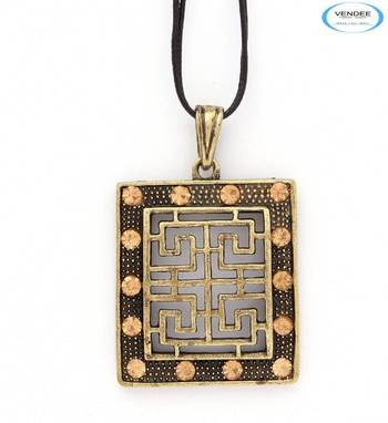 Fashionable pendant jewelry