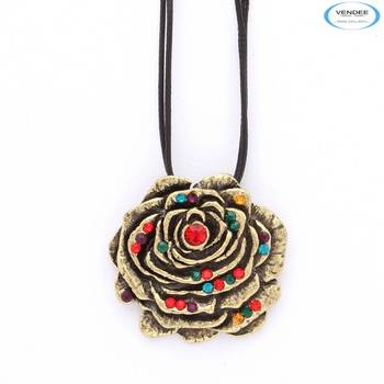 Floral fashion pendant jewelry