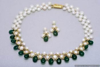 UNIQUE BUTTON PEARLS NECKLACE SET WITH GREEN DROPS FROM HYDERABAD - PCN1004