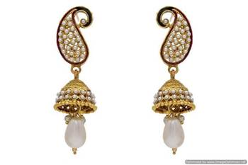 ANTIQUE GOLDEN STONE STUDDED KAIRI SHAPED EARRINGS/HANGINGS (PEARL)  - PCAE2052