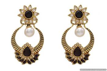 ANTIQUE GOLDEN STONE STUDDED FLOWER STYLE CHAAND BAALI EARRINGS/HANGINGS (BLACK)  - PCAE2114
