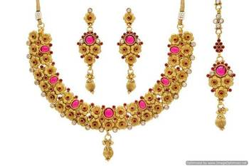 ANTIQUE GOLDEN STONE STUDDED UNIQUE TRADITIONAL FLOWER THEME NECKLACE SET (POTA RED)  - PCAN4025