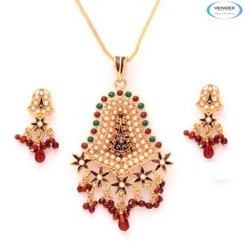 Beads fashion pendant set