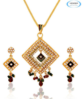 Square shape pendant set