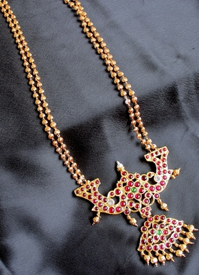 GORGEOUS LONG GOLDEN BALL TRADITIONAL NECKLACE