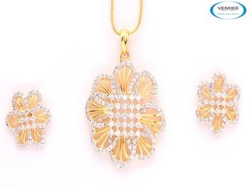 Floral CZ diamond pendant set