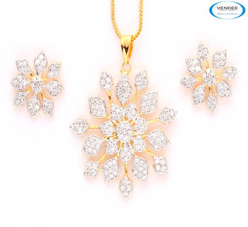 Royal CZ diamond pendant jewelry