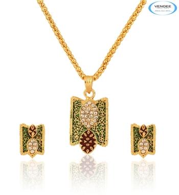 Brass diamonds pendant