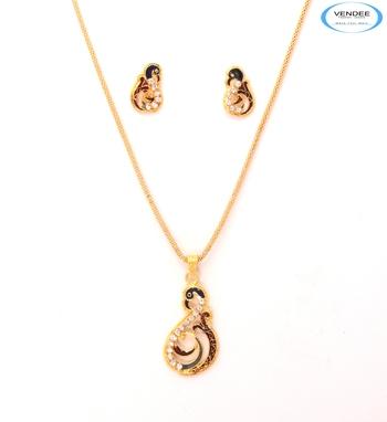Admirable diamond pendant jewelry