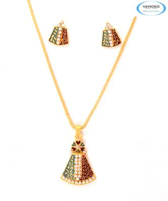 Designer fashion diamond pendants