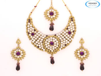 Royal fashion diamond necklace set
