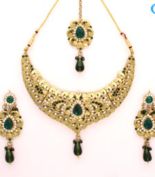 Buy Exclusive diamond necklace set Necklace online