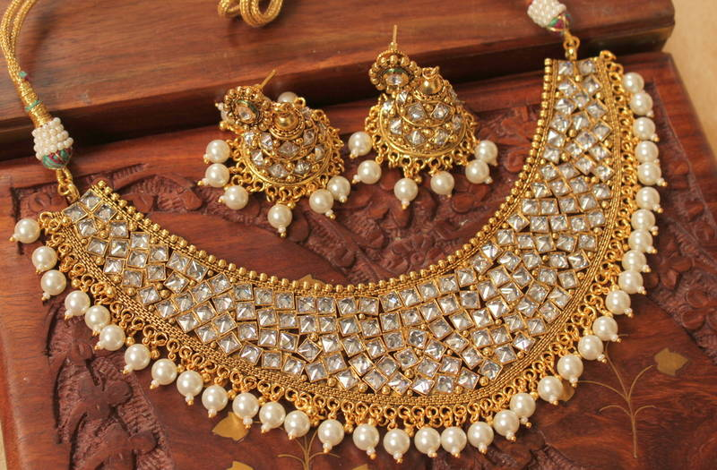 0732cd6f977954 Royal Designer Kundan Bridal Choker Necklace Set - DREAMJWELL - 1270010