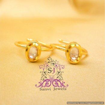 Oval Shaped Kundan Toe Ring