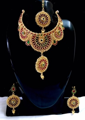 Bridal necklace set with ma