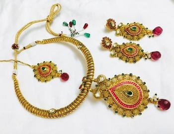 Hasli necklace set in Polki