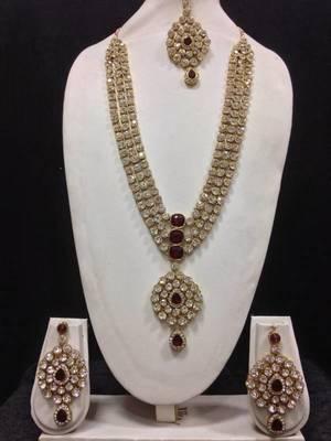 Long Designer Jewelry Set in Maroon