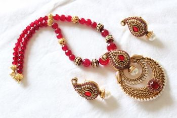 Red Chand Necklace Set