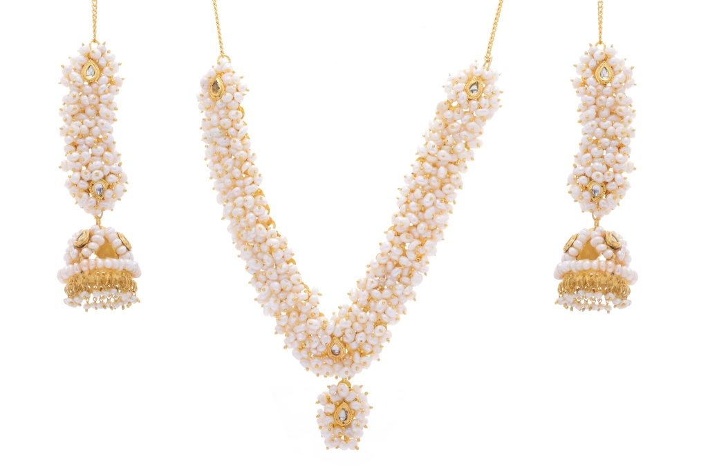 427b4df0f52a9 Natural pearls set from hyderabad jewels