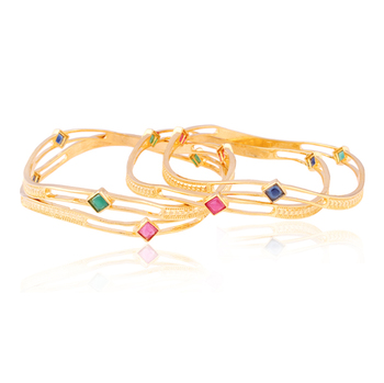 Bedazzling wavy Gold plated American Diamond Bangle