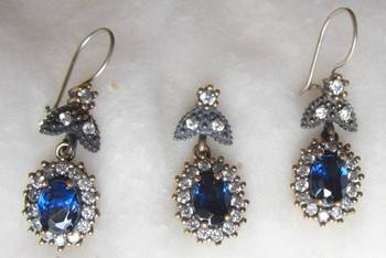 TURKISH SILVER GEMSTONE HOOP EARRINGS AND PENDANT SET
