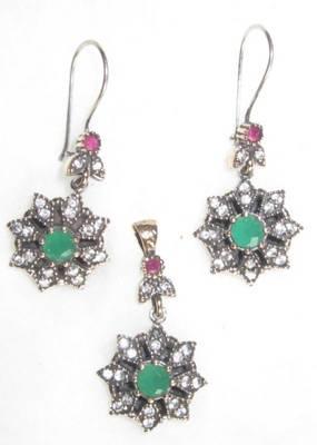 Turkish victorian silver emerald rRUBY gemstone earrings pendant set