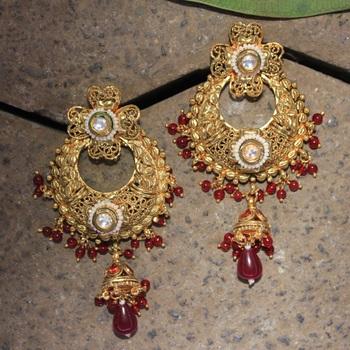 Pride kundan earrings