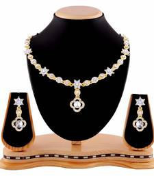Elegent Design White Stone Gold Finishing Necklace Set