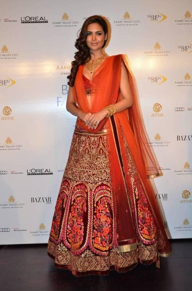 3f7c0fdfb7276 Bollywood Esha Gupta Bridal Lehenga - Sareez House - 161270