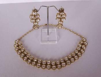 Choker Style Delicate Kundan Necklace Set