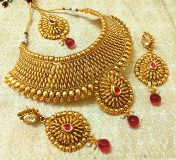 75d2b3cb3 Royal Rani Pink Gold Plated Bridal Choker Necklace Set With Maang Tikka -  LALSO - 1319190