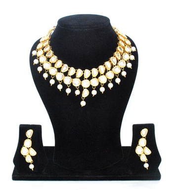 The Uncut Kundan Jewelry Set