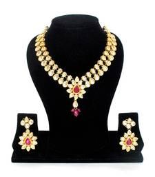 The Royal Kundan Jewelry Set