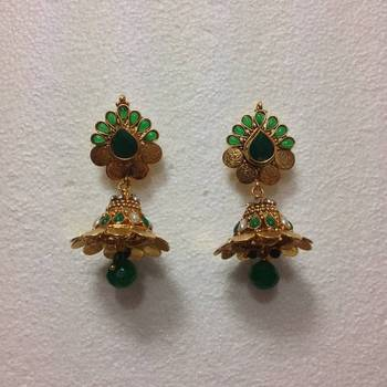 Coin design earring in Green