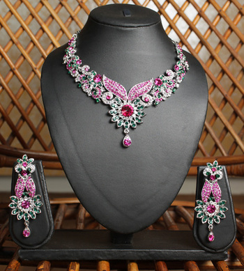 Green and Pink Floral Necklace Set