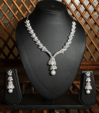 Silver Loose chain Pearl Teardrop Necklace Set