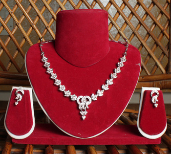 Silver Loose Chain Locket Necklace Set