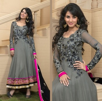 Sonal Chauhan Grey Embroidered Georgette Suit with Dupatta TBSHUBH4013