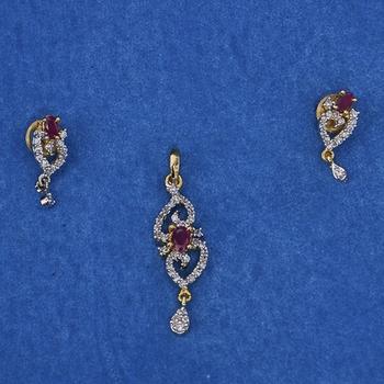 Amazing Diamond Pendant Set