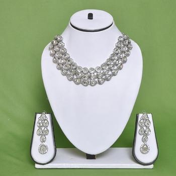 Attarctive Necklace