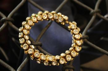 Gold Damroo Stone Bracelet